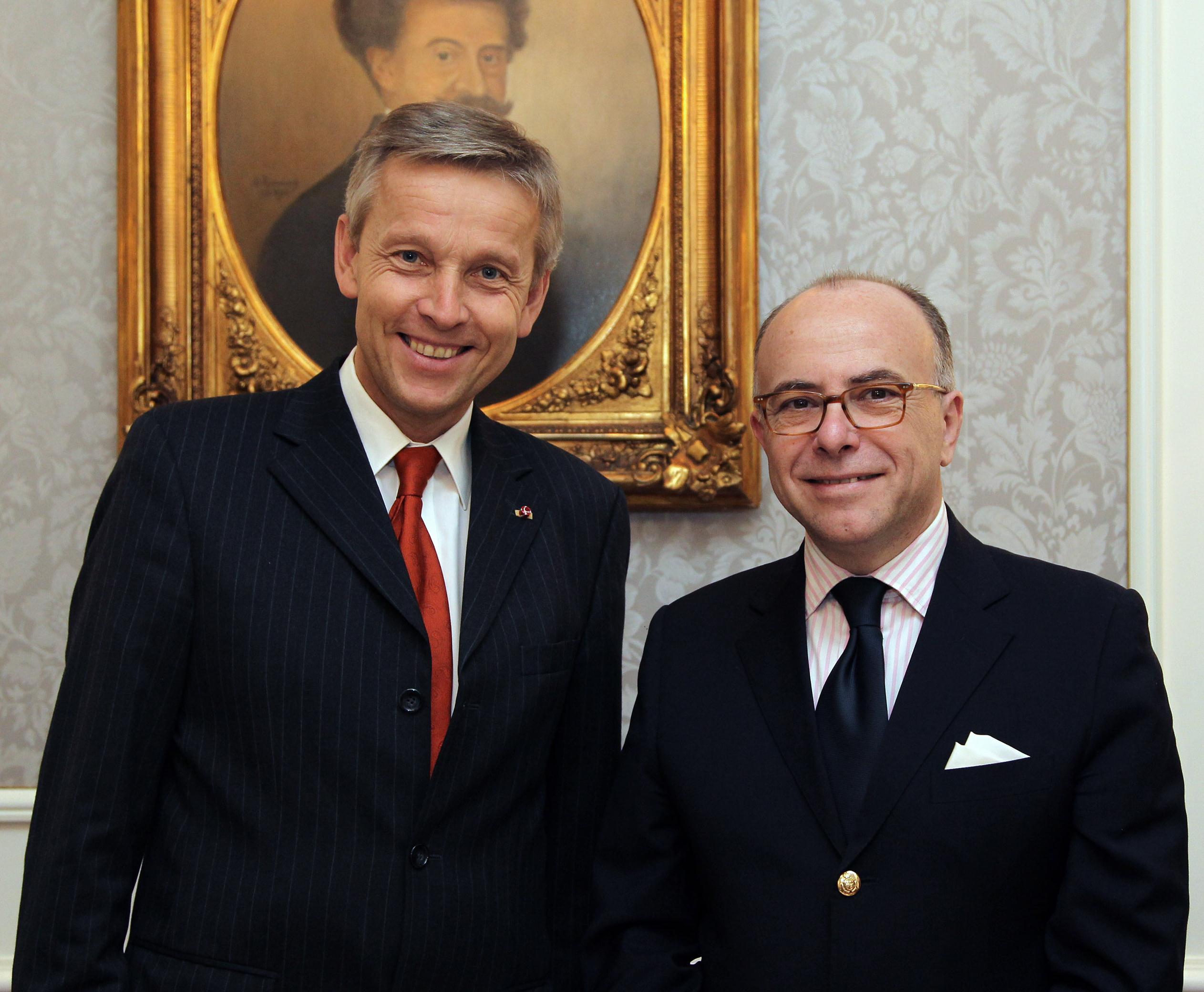 (c) BMEIA, Staatssekretär Reinhold Lopatka trifft den französischen Minister für europäische Angelegenheiten Bernard Cazeneuve in Wien