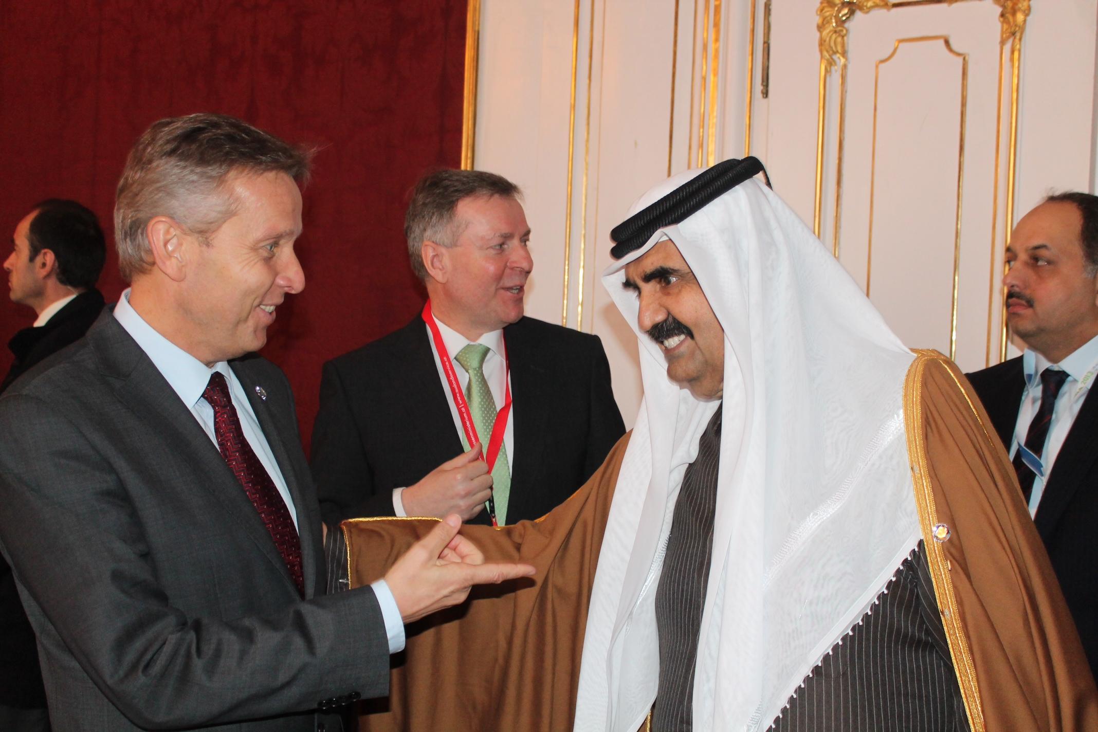 (c) BMEIA, STS Lopatka trifft den Emir von Katar, Scheich Hamad bin Khalifa al-Thani