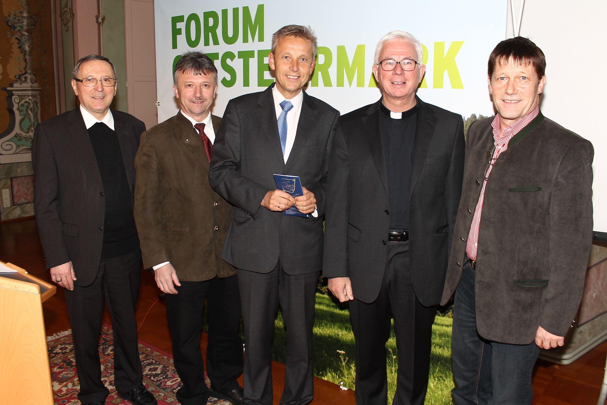 (c) BMEIA, Propst Gerhard Rechberger, LAbg. Hubert Lang, StS Reinhold Lopatka, Weihbischof Franz Lackner, Bgm. Bernhard Spitzer.