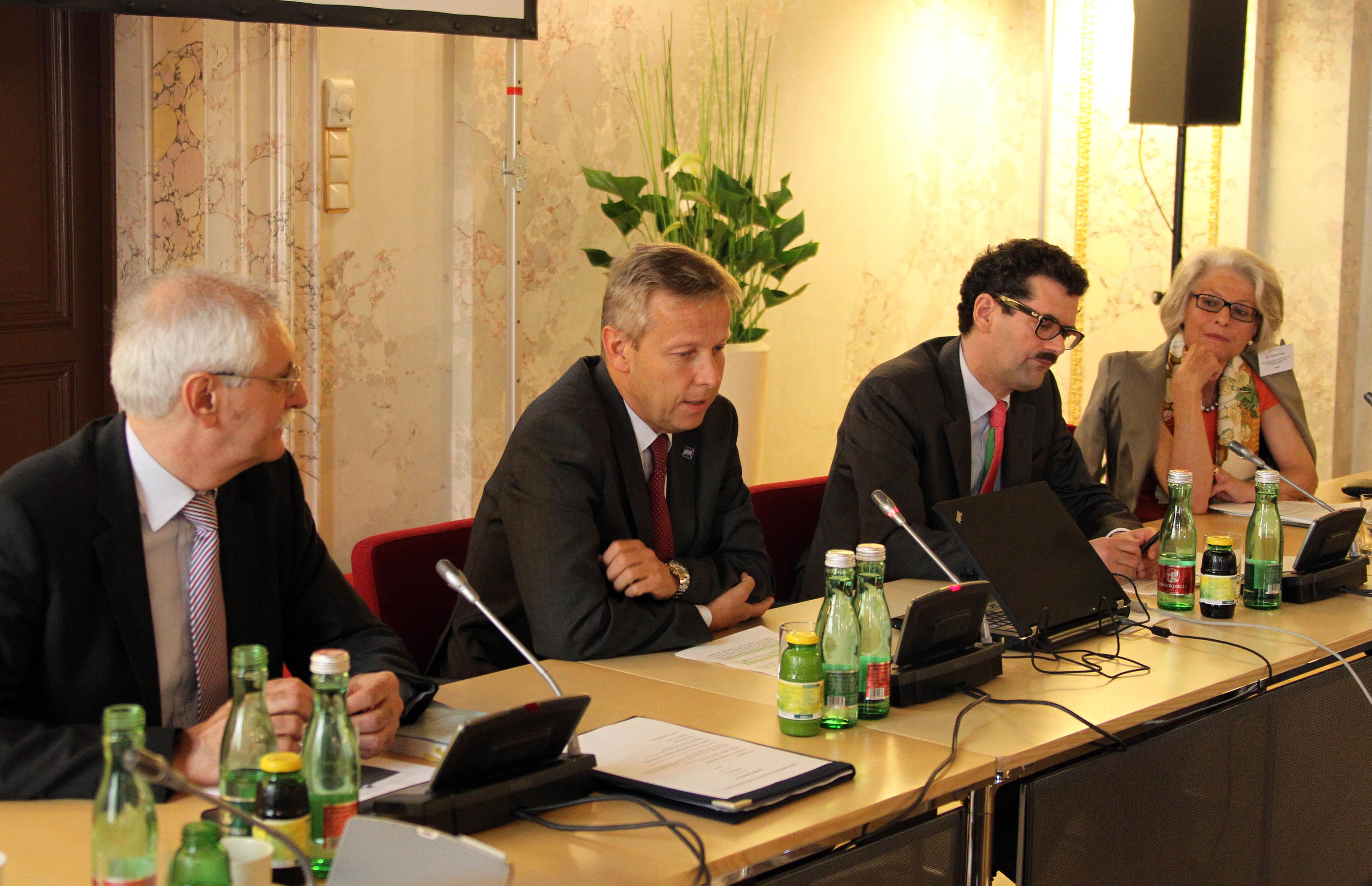 (c) STS Lopatka bei der Eröffnung des Twinning Seminars im BMEIA