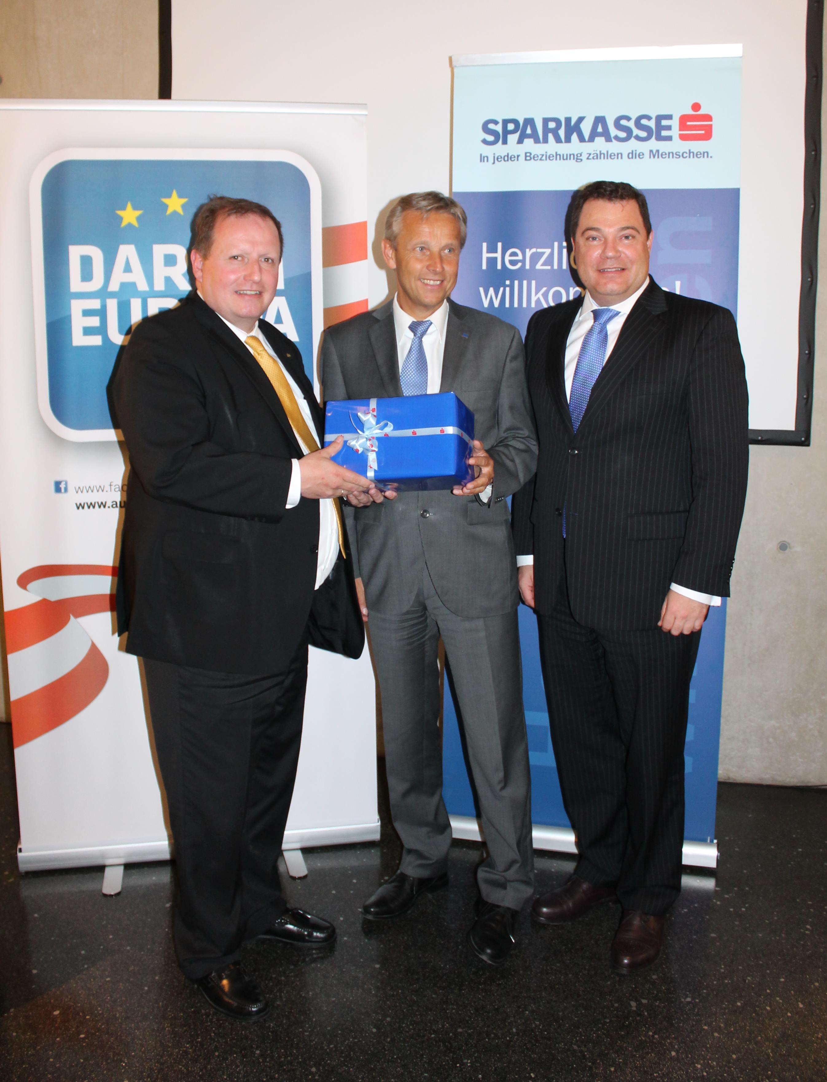 (c) BMEIA, STS Lopatka bei der Tiroler Sparkasse auf DARUM EUROPA Tour