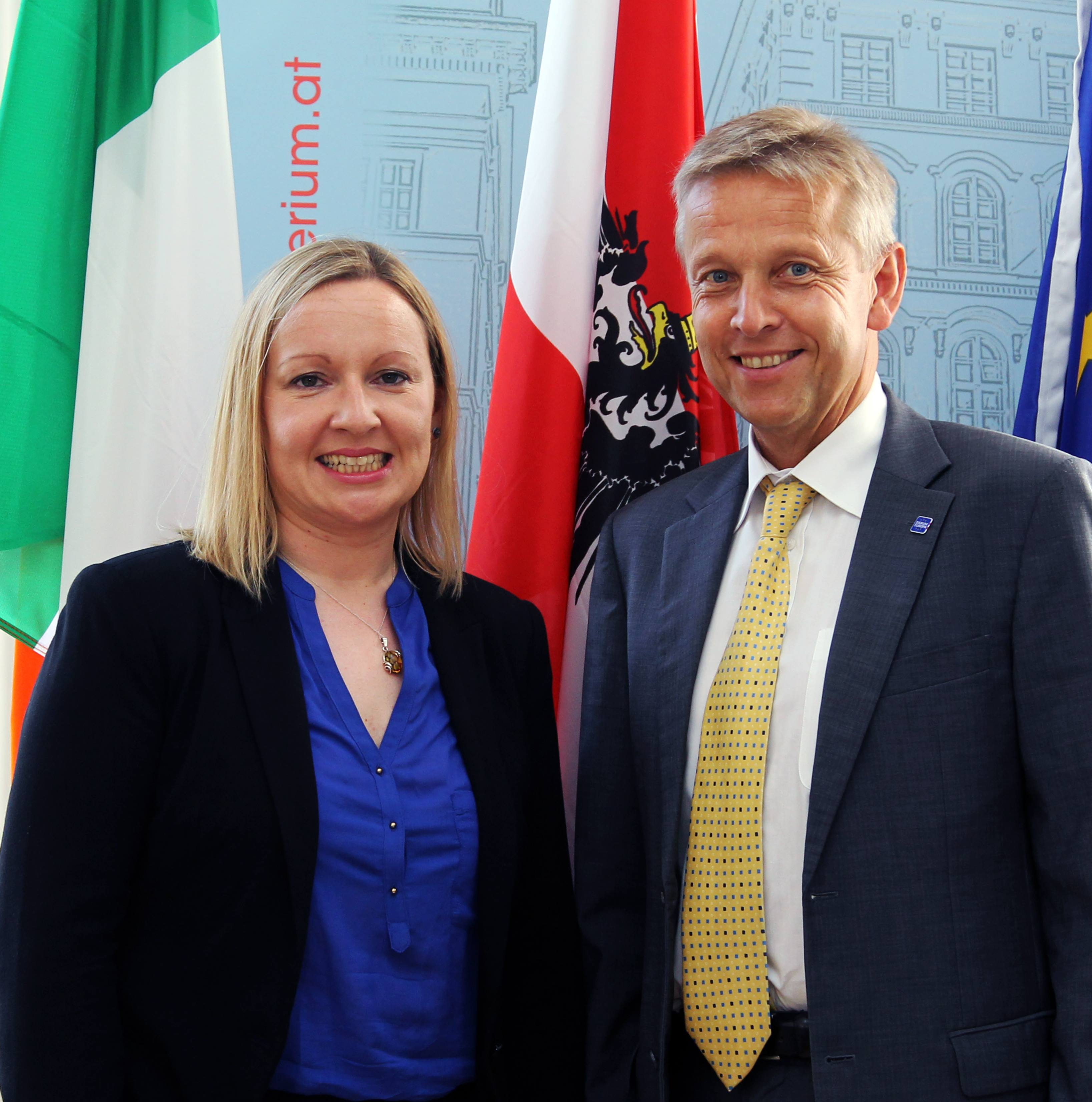 (c) BMEIA, STS Lopatka und die irsiche Europaministerin Lucinda Creighton
