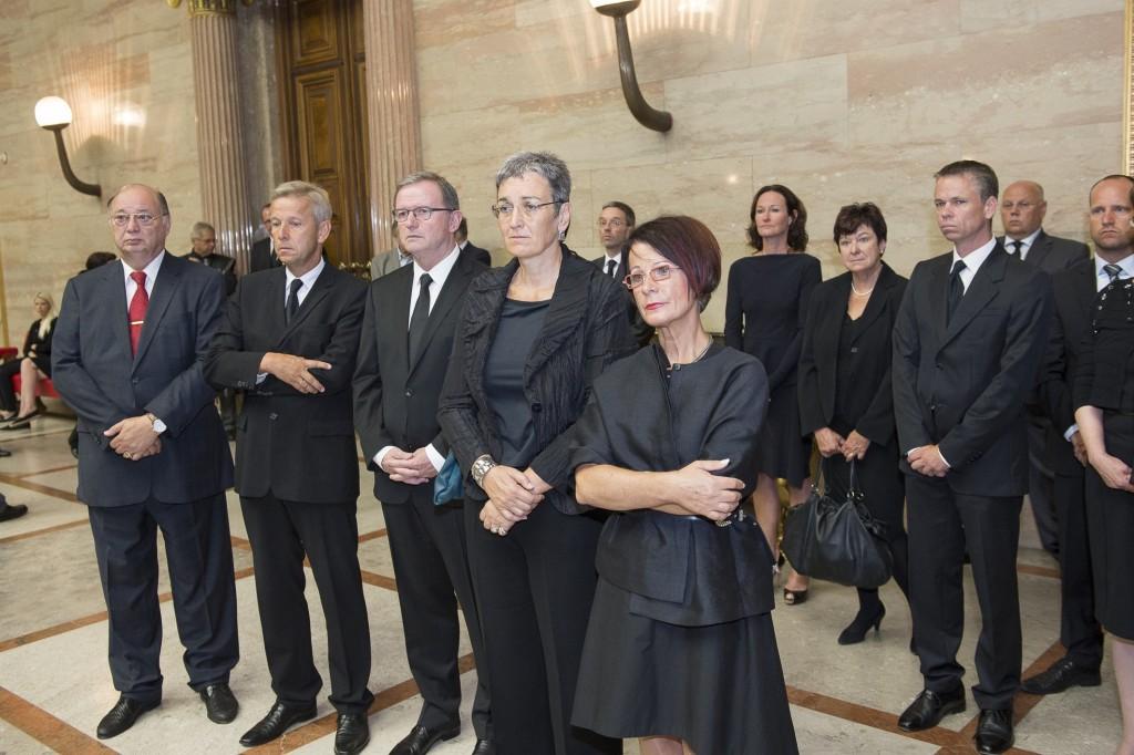 Öffentliche Aufbahrung von Nationalratspräsidentin Barbara Prammer in der Säulenhalle