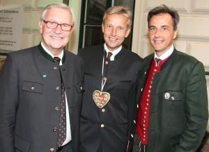 (c)BMeiA, StS Lopatka mit LT Präs Majcen und Bgm Nagl beim Aufsteirern