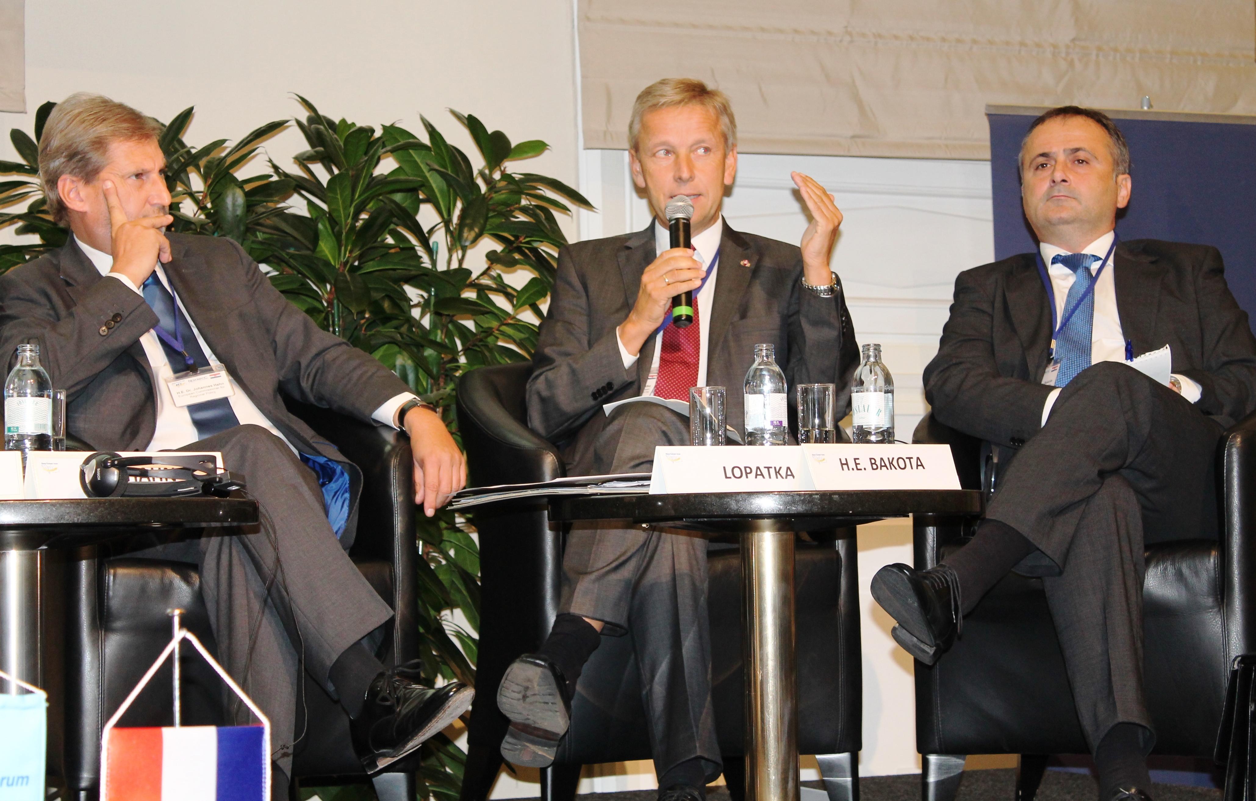(c)BMeiA, StS Lopatka, EU-Kommissar Hahn, Kroatische Botschafter Bakota