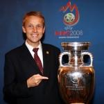 © GEPA pictures/Walter Luger, mit dem Pokal der Fußball-Europameisterschaft