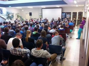 (c)ÖVP, StS Lopatka bei Schülerdiskussion zur Nationalratswahl in Mureck